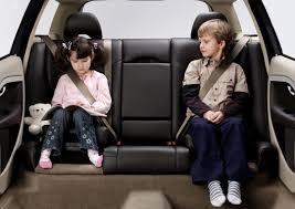 Test Crash: ce se întâmplă cu copii care nu sunt asiguraţi pe bancheta din spate în cazul unui accident! VIDEO