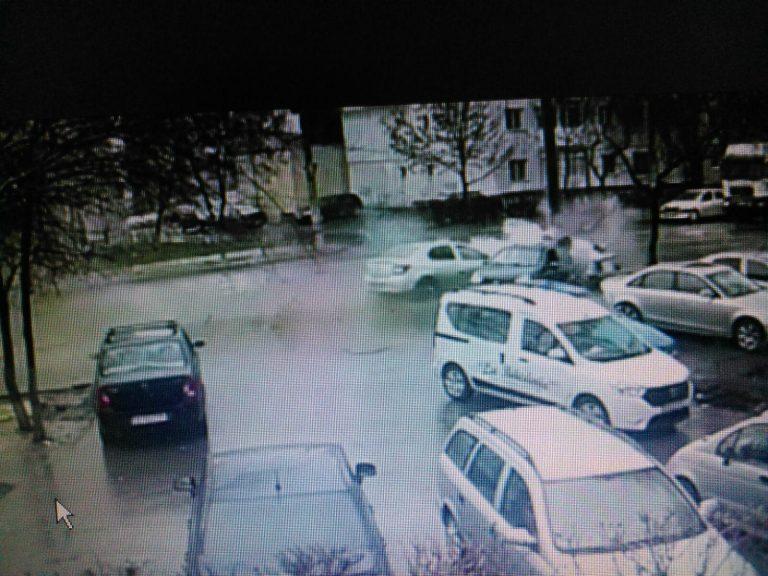 Imagini video cu accidentul din Metalurgie. Doi oameni au scăpat miraculos (VIDEO)
