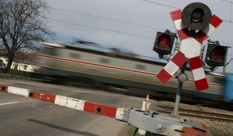 Asociaţia Worldstreet cere autorităţilor montarea unei bariere la trecerea peste calea ferată Cozmeşti
