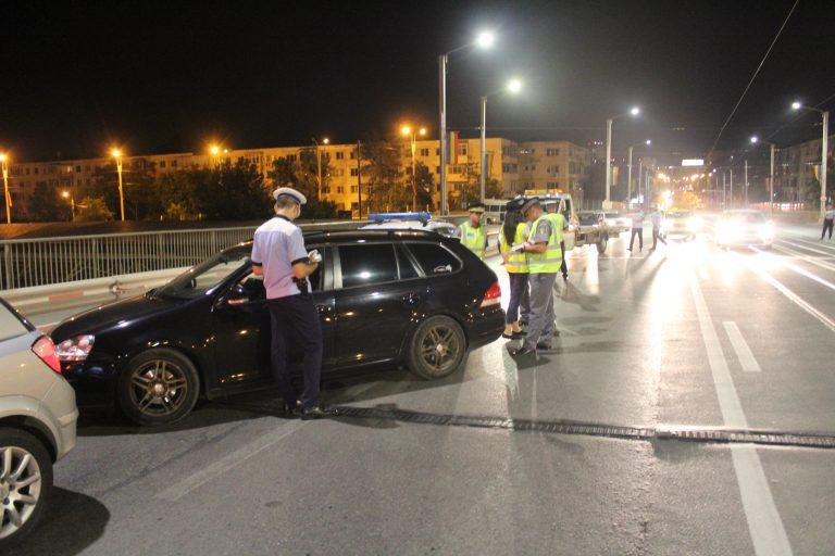 21 de șoferi beți prinși într-o razie la Iași. Unul și-a tratat cu vodcă durerea de măsea (FOTO)